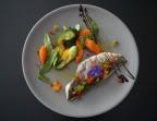 Photo Filet de dorade royale (Poissonnerie Armara), légumes croquants de saison et sauce vierge maison  - La Salle à Manger