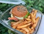 Photo Burger K5 et frites maison servi chaud (en contenant en verre consigné à 1€50) - K5 by PAUL