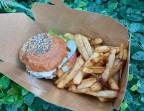 Photo Burger K5 et frites maison servi chaud (en contenant jetable compostable) - K5 by PAUL