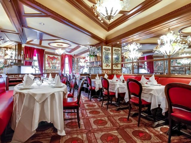 Au Pied De Cochon Brasserie 24h24 7j7 Paris Les Halles