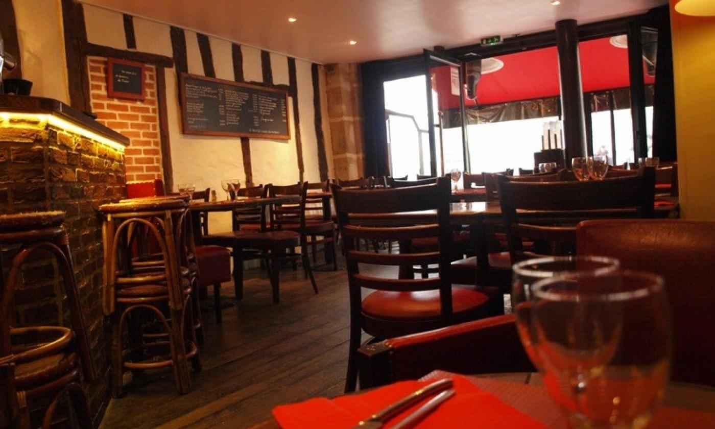Photos atmosphere dishes le petit caf paris for Petit restaurant