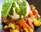 Photo Tartare de tomate et poivron au basilic frais, burratina crémeuse - Les petits plats