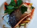 Photo Dos de saumon à la plancha, fumet crémé à la ciboulette, poêlée de légumes - Le Bistrot Quai