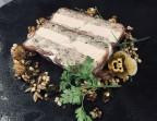 Photo Pâté en croute maison au foie gras, pickles et confit d'oignons rouges au thym sauvage.  - Le Pavillon de Bailly