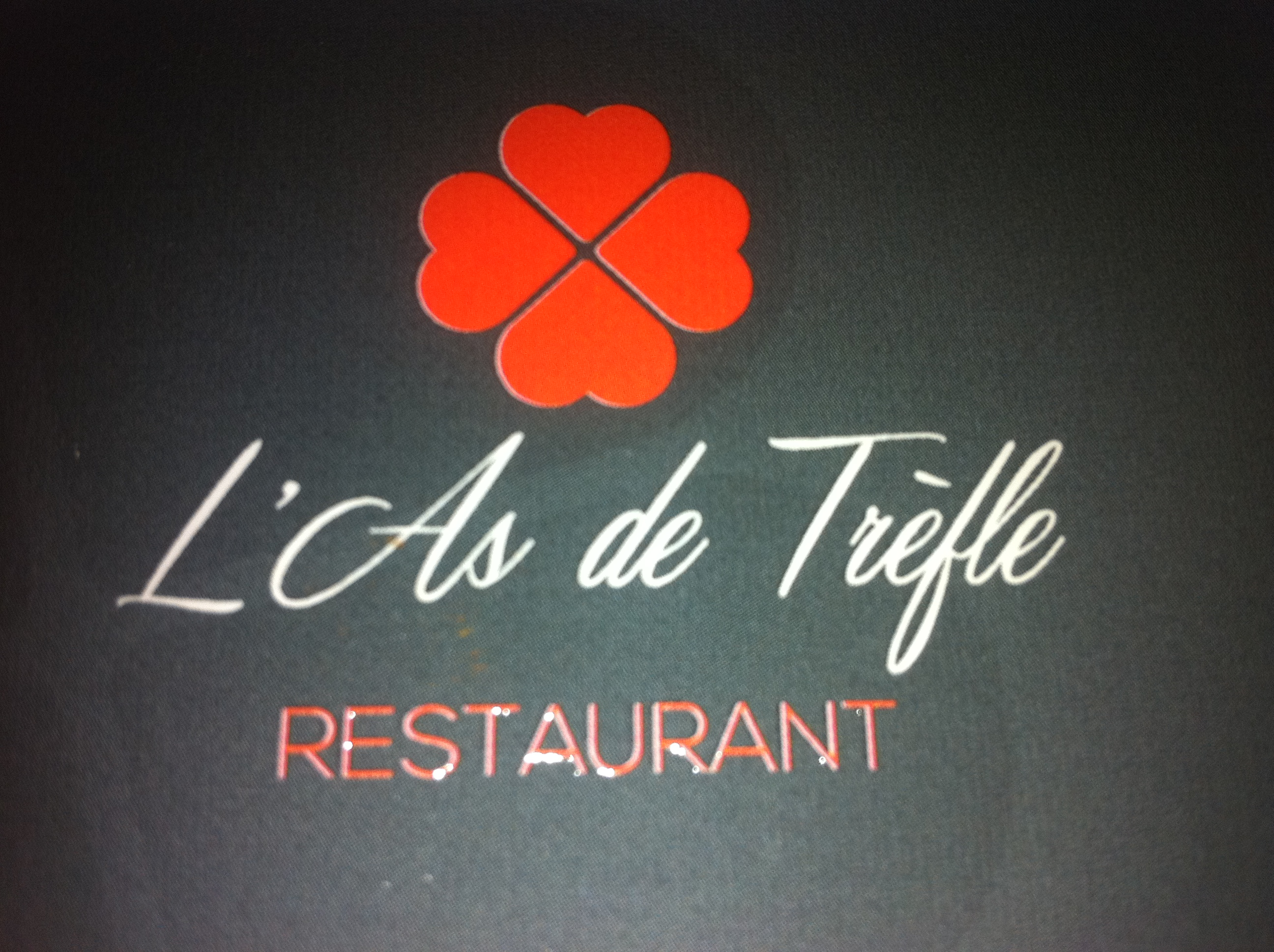 Logo Restaurant l'As de Trèfle-Calvados, chef Anthony Vallette.Cuisine créative.