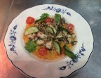 Photo Risotto crèmeux à la tomate, calamars poélés au beurre d'ail - Le Tandem à Santes