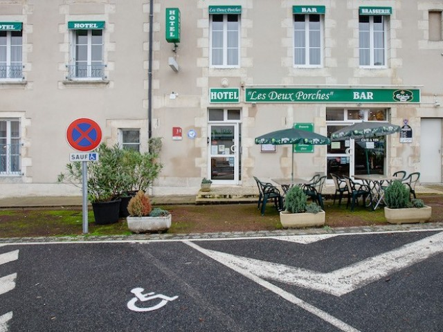 Hôtel Brasserie Des Deux Porches
