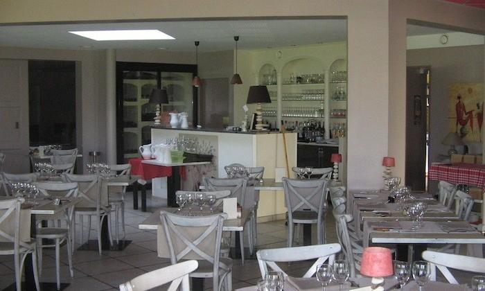 l 39 olivier restaurant traditionnel la batie divisin. Black Bedroom Furniture Sets. Home Design Ideas