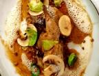 Photo Caille « Royale » rôtie en croute de parmesan et carvi, risotto d'épeautres, jus corsé - L'Escapade