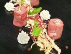 Photo Carpaccio de boeuf En cannelloni, conté, coriandre fraîche, sauce Teriyaki - L'Escapade