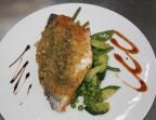 Photo Filet de dorade rôti en croute, poelée de légumes verts - Le Passy
