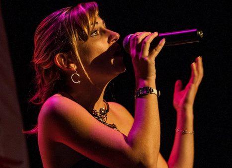 24 FEVRIER 2019 Déjeuner concert avec Lucie Chartier - 100 % Johnny