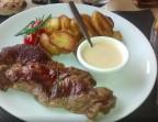 Photo Entrecôte*VBF (env 250g), pommes de terre poêlées, sauce gorgonzola  - Le romain d'etretat