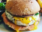 Photo Norvégien burger  - Le Caminito Cabaret