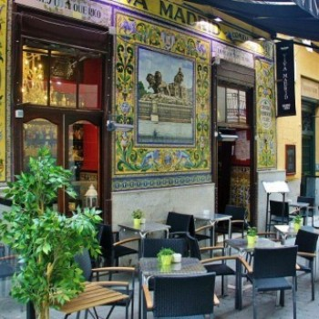 Viva Madrid, gastronomía tradicional madrileña junto a la plaza de Santa Ana