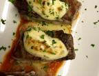 Photo Ventresca de atún sobre pisto de tomate al gratin  de ali-oli - A Banda Restaurante