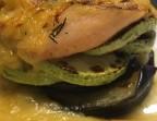 Photo Milhojas de bacalao y salmón con berenjenas y calabacines a la plancha y salsa de puerros y manzana - A Banda Restaurante