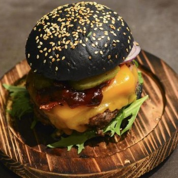 Un Parisien remporte la Coupe de France du burger (by Alice Bosio)