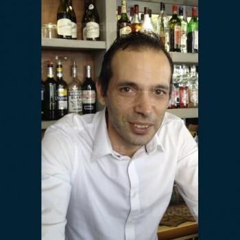 Neuville-sur-Saône Restaurant Le Caveau : seul le patron change ...