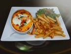 Photo Welsh cheddar frites salade  - Au Bystrot Gourmand