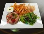 Photo Tartare de boeuf préparé, frites salade  - Au Bystrot Gourmand