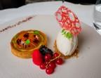 Photo Tarte abricot, crème de basilic, glace meringue - Bistrot Auvergnat