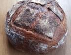 Photo Le célèbre pain de Thierry Breton. La miche de 1kg à base de farines de meule du Moulin de Brasseuil (Yvelines), avec une touche de farine de sarrasin breton.   - CHEZ MICHEL