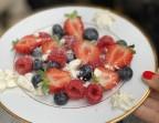 Photo Fruits rouges meringués - Sorella