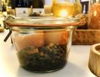 Photo Roulé de saumon fumé au chèvre frais, pesto à la coriandre. Lentilles vertes du Puy en vinaigrette. - Le stras'