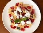 Photo Penne avec tomate cerise, ricotta et basilic - LE CENT HUIT