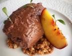 Photo Mousse chocolat, pêche grillée, crumble  spéculos - Au Plaisir Paris