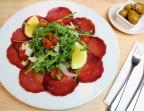 Photo Bresaola de Boeuf, Copeaux de Parmesan, Roquette & Tomates Cerise - SALENTO Marais