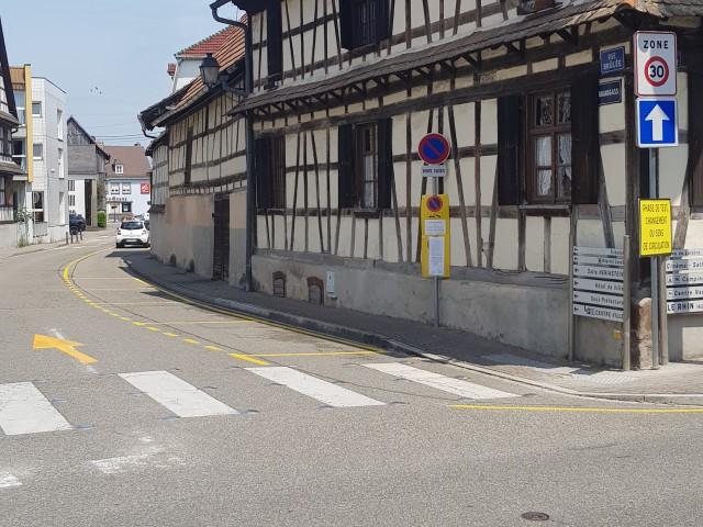 Restaurant Alsacien à Erstein Le Witzknuppe P2 : PARKINGS RUE BRULEE EN FACE DU RESTAURANT (5m)