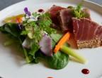 Photo Tataki de thon au sésame et menthe fraiche, houmous en tartine - Chez fred