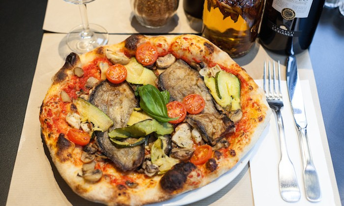 Photo Pizza Vesuvio - George V