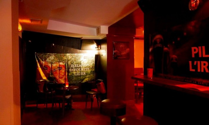Photo Shelters pub
