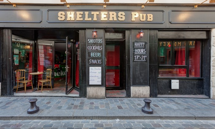 Photo Shelters pub