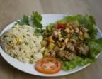 Photo poulet à la sauce piquante et riz Blanc - La Couronne d'Or