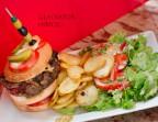 Photo GLADIATOR Hamburger géant fait maison - Canteen Bus Gobelins