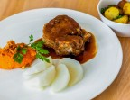 Photo Seven hour lamb fondant, carrot purée and sautéed potatoes - L'Ange 20