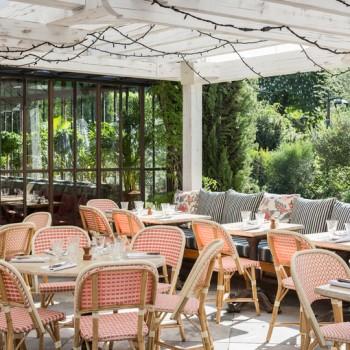 5 restaurants ouverts en août qui vous feront oublier que vous êtes coincé à Paris