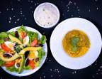 Photo Salade Composée/Curry de Poulet Fermier au lait de coco Riz  - Les Filaos