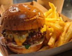 Photo Burger Classique - Aux Dés Calés 17 - Legendre