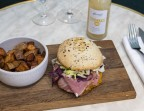 Photo Burger Pastrami Maison + Frites + Boisson - Bistrot Rougemont