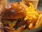 Photo Burger Classique - Aux Dés Calés 18 - Moreau